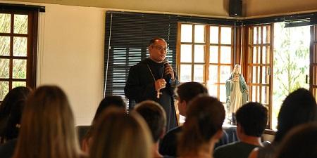 Encuentro MVC Petropolis con obispo (3)