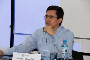 Renzo Paccini en conferencia sobre el caso Alfie Evans